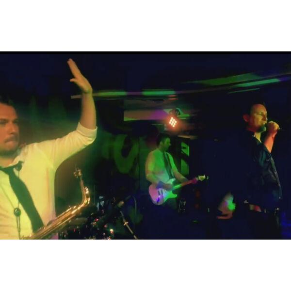 Pély Barna Band